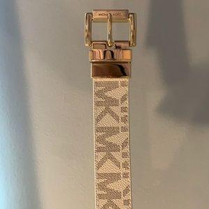 NEW authentic reversible Michael Kors belt